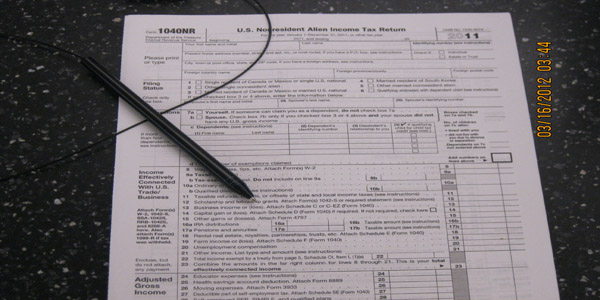 CUH students help low-income individuals file their tax returns