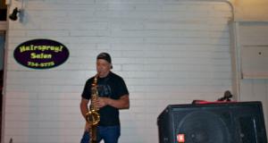 Live jazz music at Hairspray Salon. Photo by Carol Stacy