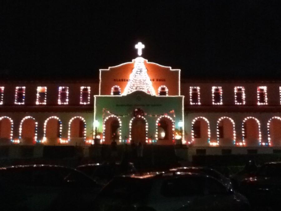 Las+Posadas+procession+and+Lighting+of+the+Campus+ready+Chaminade+for+Christmas