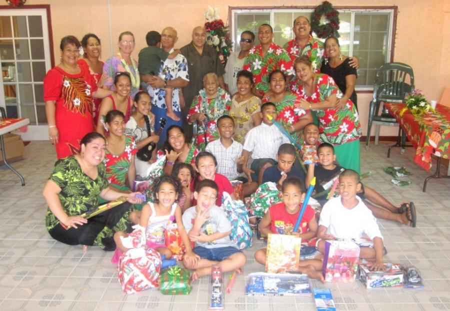 Christmas+in+a+Samoan+family.+Photo+by+Victorian+Lang