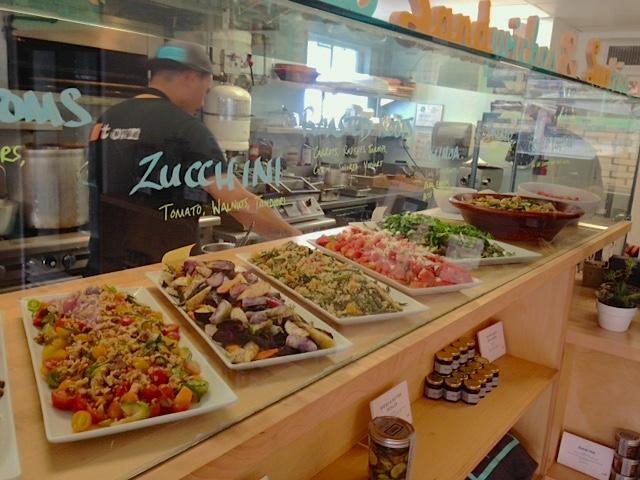 Kaimuki's Superette focuses on fresh, local ingredients