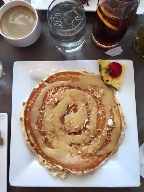 Cinnamon Roll Pancakes (Moena Café)