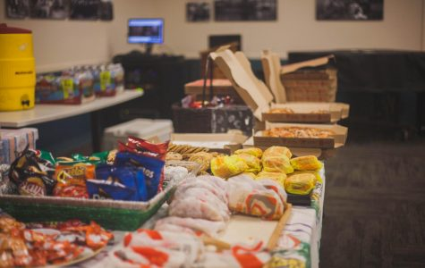 Communications Club Revives Itself Through Munchie Mania