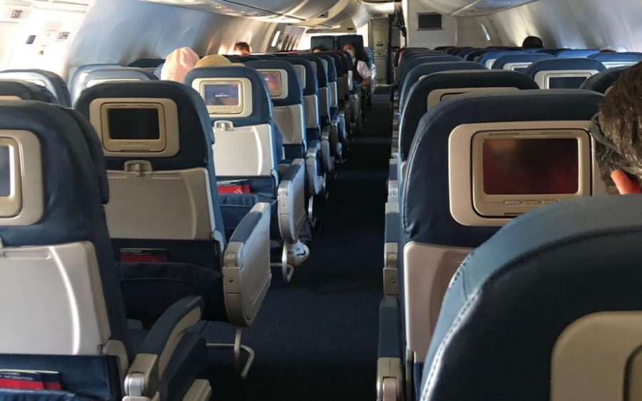 Taken+by+Andre+Arissol%2C+Andre+is+boarding+for+take+off+on+a+plane+in+L.A.+and+everyone+has+taken+their+seats.